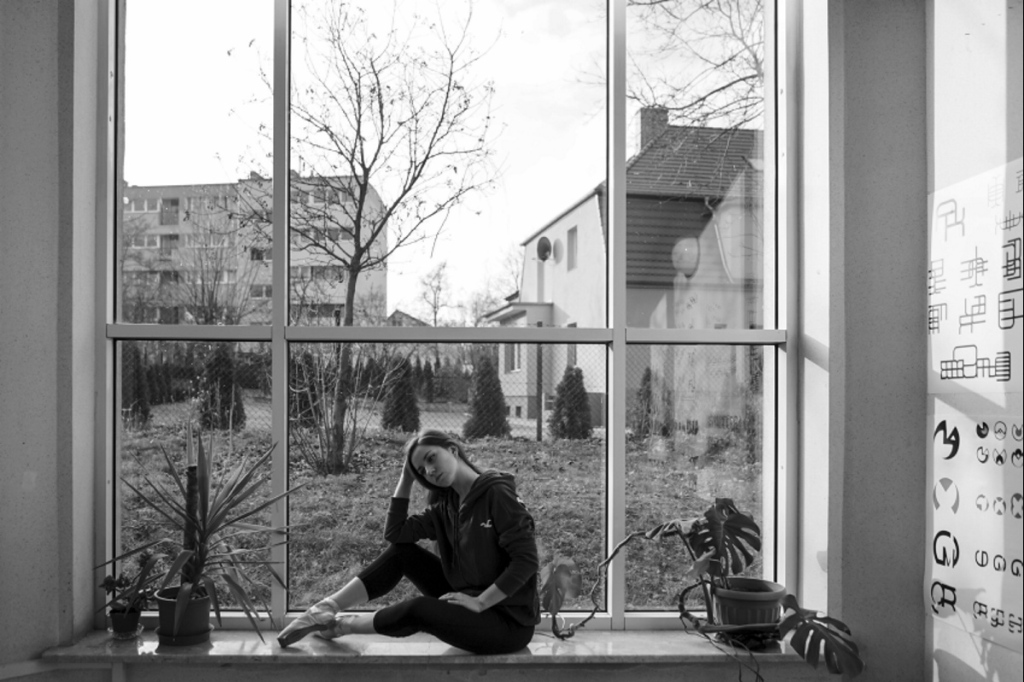 2015 ZIELONA GORA Ania Szafran baletnica w miescie ballerina project tancerka balet ballerina window okno baletnica w oknie okna instytut sztuk wizualnych UZ FOT. PAWEL JANCZARUK / WueF